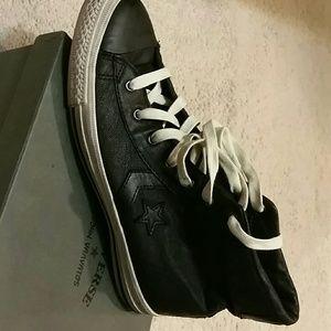 Converse John Varvatos size 8.5 leather black
